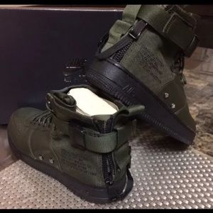 Brand New Air Force One Nike Boot. Men's size 9.